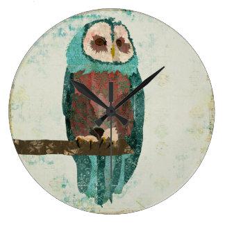 Blush Snow Owl Clock