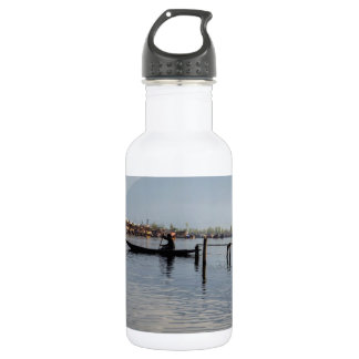 Boatman on small wooden boat 532 ml water bottle