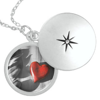 Body_Universe16 Sterling Silver Round Locket