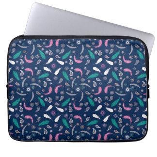 boho style feathers pattern laptop sleeve
