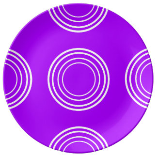 Bold White Rings on Summer Grape Plate