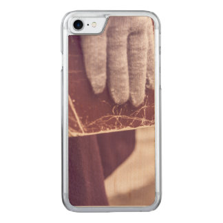 Book glove carved iPhone 7 case