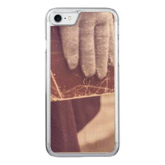 Book glove carved iPhone 8/7 case