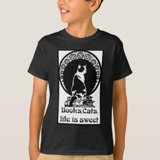 Books, cats, life is sweet Kopie_vectorized T-Shirt
