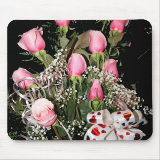 Boquet of pink roses red heart ribbon green stems mousepad