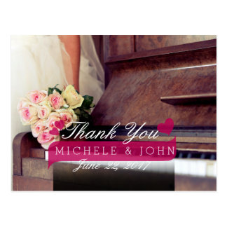 bouquet of flowers,bride and piano/Thank You Postcard