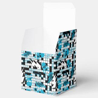 Boy's crossword puzzle favour boxes