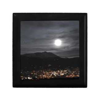 breckenridge full moon small square gift box