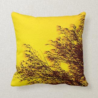 Breeze Through Tree/Warm Comfort Pillows