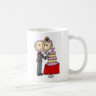 Bride And Groom By The Wedding Cake Mug