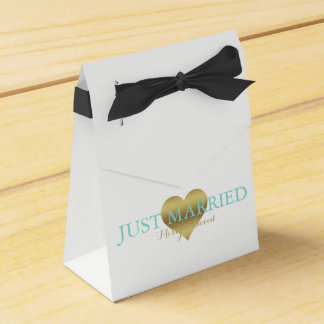 BRIDE & CO Gold Heart Tiffany Party Favor Boxes