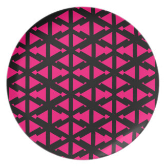 Bright Hot Pink Zig Zag Style Pattern Dinner Plates