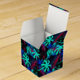 Bright tropical palms favour box