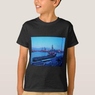 Brodospas Moon in Valletta. T-Shirt