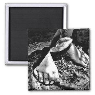"""""""Broken Feet"""" JTG Art Magnet"""