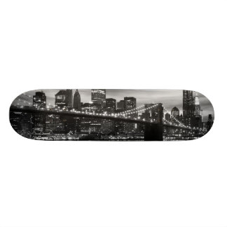 Brooklyn Bridge and Manhattan Skyline, NYC 18.1 Cm Old School Skateboard Deck