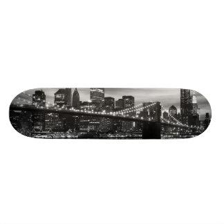 Brooklyn Bridge and Manhattan Skyline, NYC 18.1 Cm Old School Skateboard Deck