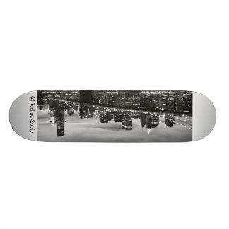 Brooklyn Bridge and Manhattan Skyline, NYC 21.6 Cm Old School Skateboard Deck