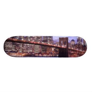 Brooklyn Bridge and Manhattan Skyline, NYC 21.6 Cm Skateboard Deck