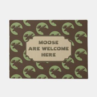 Brown Moose Circle Pattern Cabin Doormat