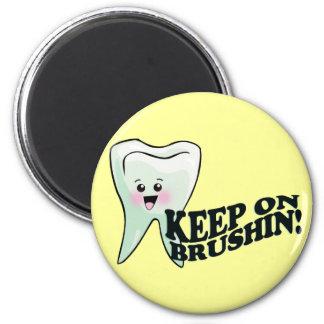 Brush Your Teeth! 6 Cm Round Magnet