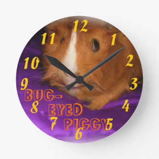 BUG-EYED PIGGY Guinea Pig Clock