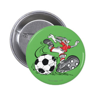 BUGS BUNNY™ Playing Soccer 6 Cm Round Badge