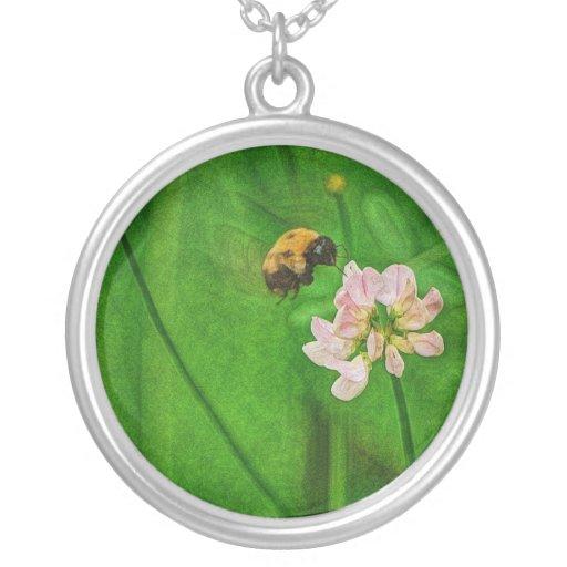Bumble Bee Flight Clover Flower Pendant