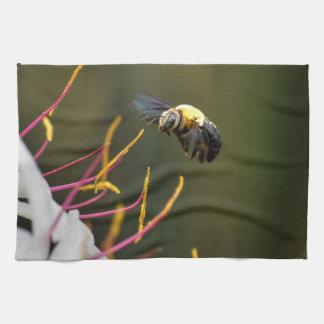 BUMBLE BEE QUEENSLAND AUSTRALIA TEA TOWEL