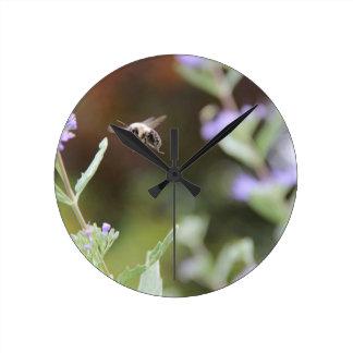 Bumble Bee Round Clock
