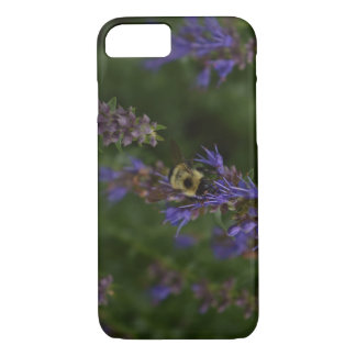 Busy bee on flower iPhone 8/7 case