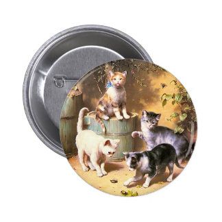 """Button: """"Kittens Playing with Beetles"""" 6 Cm Round Badge"""