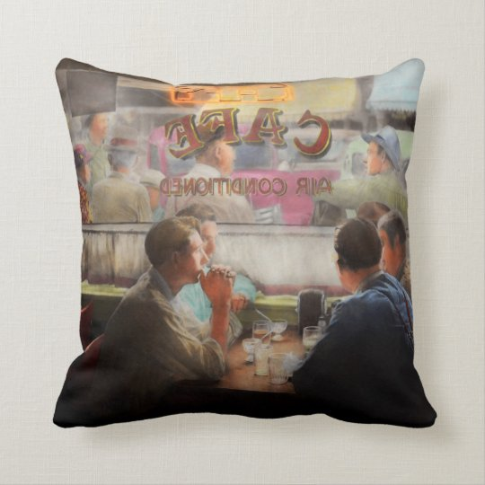 Cafe - Cold drinks with friends 1941 Cushion