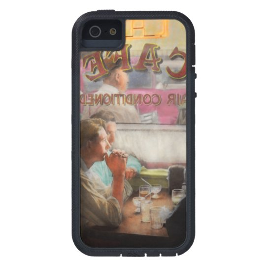 Cafe - Cold drinks with friends 1941 iPhone 5 Cover