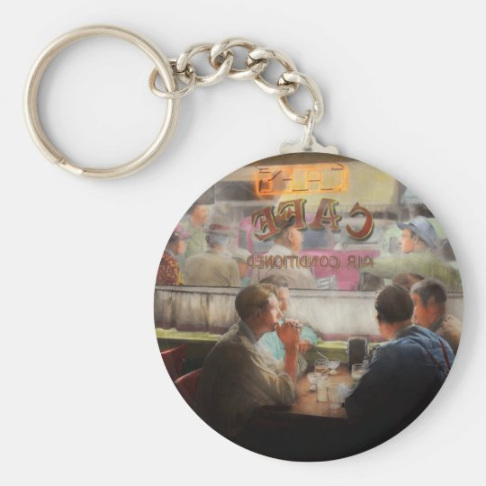 Cafe - Cold drinks with friends 1941 Key Ring