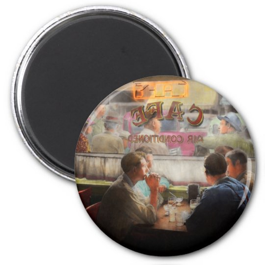 Cafe - Cold drinks with friends 1941 Magnet