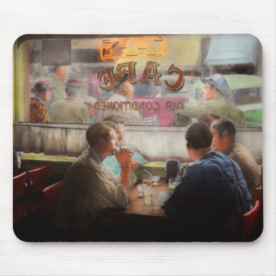 Cafe - Cold drinks with friends 1941 Mouse Pad