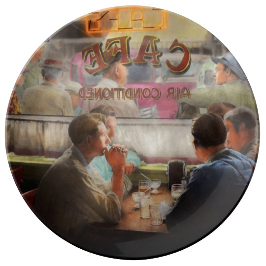 Cafe - Cold drinks with friends 1941 Plate
