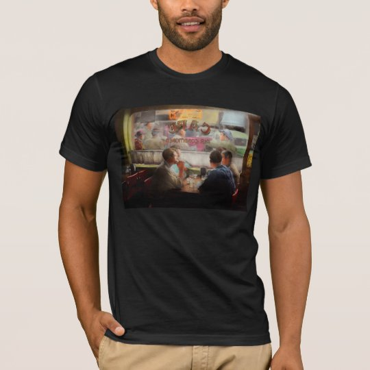 Cafe - Cold drinks with friends 1941 T-Shirt