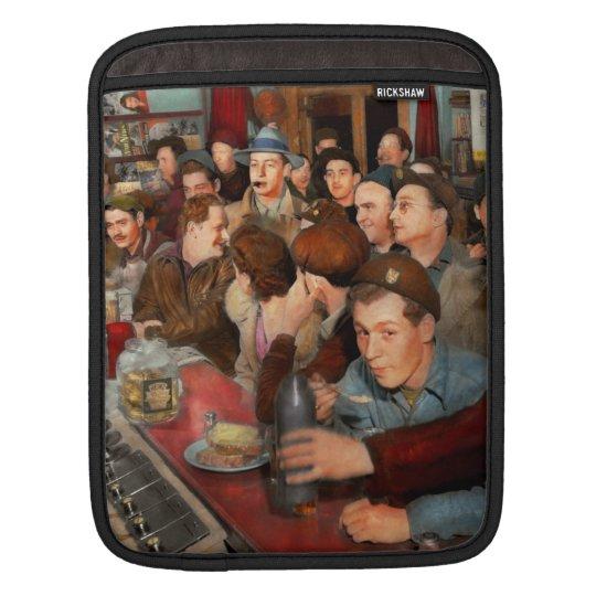 Cafe - Midnight Munchies 1943 iPad Sleeve