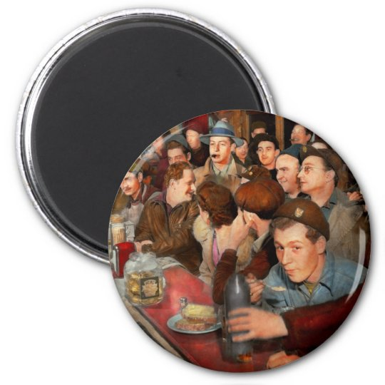 Cafe - Midnight Munchies 1943 Magnet