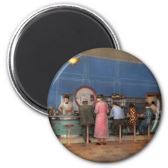 Cafe - The half way point 1938 Magnet