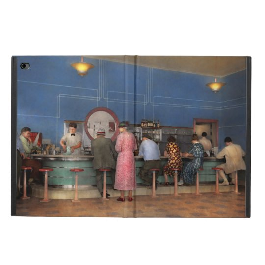 Cafe - The half way point 1938 Powis iPad Air 2 Case