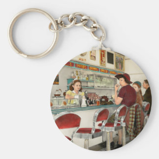 Cafe - The local hangout 1941 Basic Round Button Key Ring