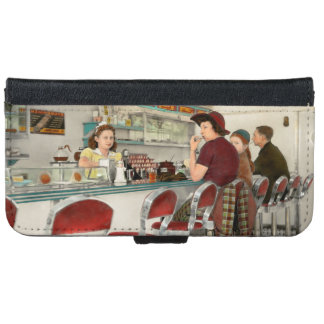 Cafe - The local hangout 1941 iPhone 6 Wallet Case