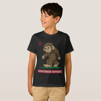 California Republic Sasquatch Bigfoot Flag T-Shirt