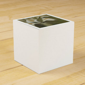 Calla Cut Flowers In A Vase Favour Box