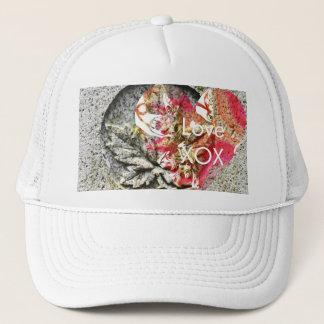 Canada Love Kiss Hug Kiss Trucker Hat
