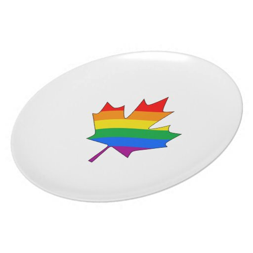 CANADIAN MAPLE PRIDE PARTY PLATES