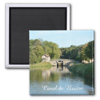 Canal de Briare lock 3 Magnet